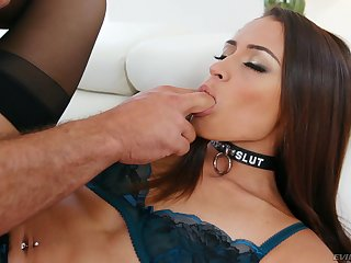 Latina babe Avi Carry the pussy fucked and cum brim by a fat bushwa