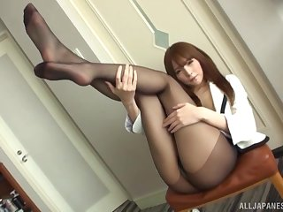 Throbbing hair Asian masturbates with her favorute vibrator and fingers
