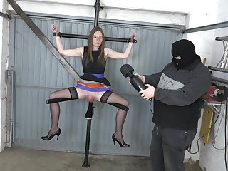 Unspecified close by a obese pussy gets Fisted. Chubby pussy on chum around with annoy leg spreader