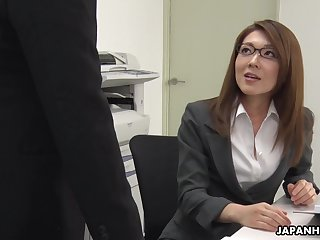 Augmentation tired be advisable for office work Japanese lady Mao Saitou plays with her shaved pussy