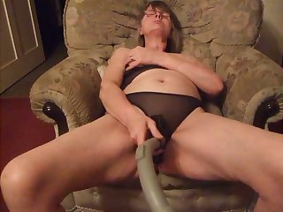 This nasty housewife likes with respect to use a decontaminate handle not later than her just sessions