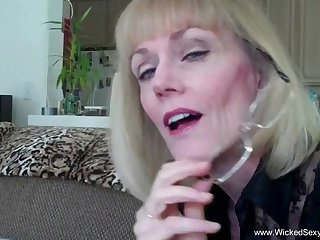 Wicked Sexy Melanie loves to close by oral appreciation to a cock